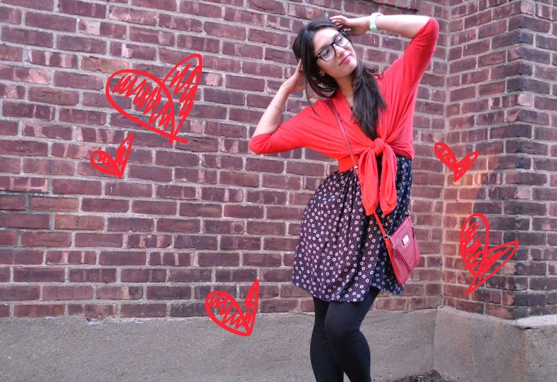Red & navy outfit 05 heart drawing