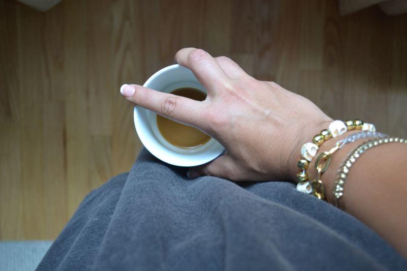 Grey smock and nails